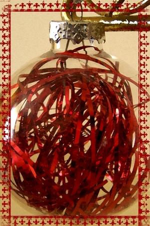 Christmas_baulble1_2